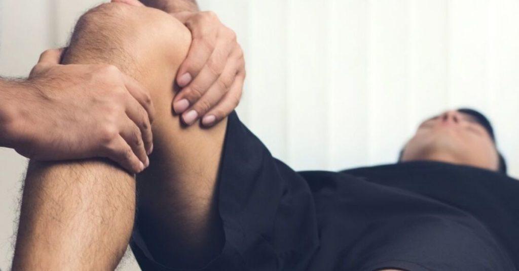 physio working on knee